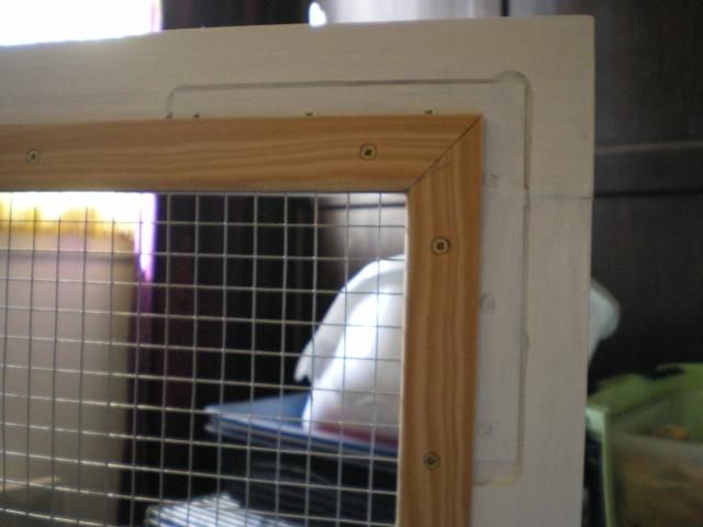 Furets du net cage partir d 39 un meuble poser le for Meuble porte grillagee poule