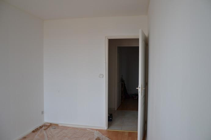 Chambre b b quel mur peindre d 39 une couleur diff rente for Peindre les murs d une chambre