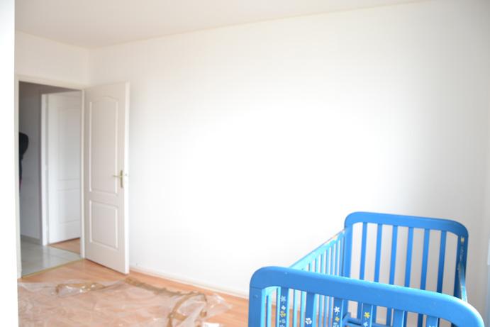 chambre b b quel mur peindre d 39 une couleur diff rente. Black Bedroom Furniture Sets. Home Design Ideas