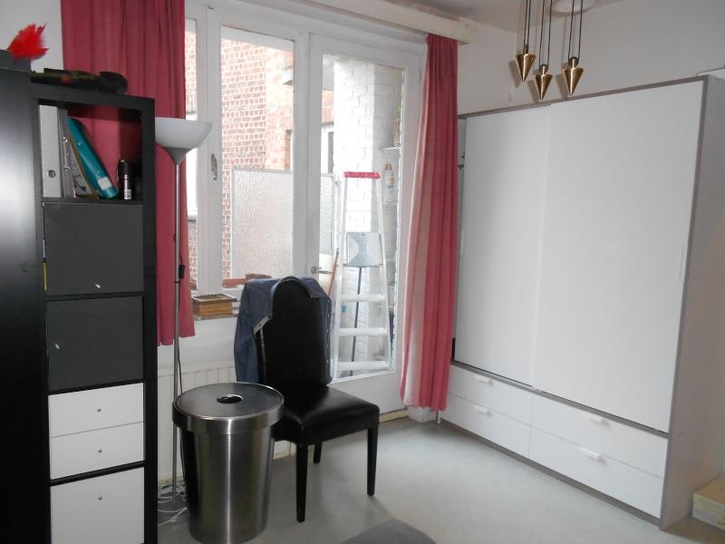 fabulous maintenant que juai mon armoire il nuy a plus rien dans la commode malm et pour les. Black Bedroom Furniture Sets. Home Design Ideas
